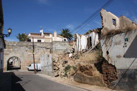 Murallas y escombros