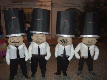enanitos carnavaleando