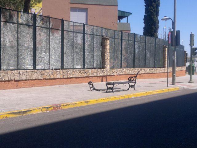 Siguen los ataques al mobiliario público