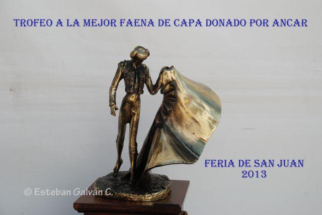 Trofeo a la mejor faena de Capa donado por ANCAR