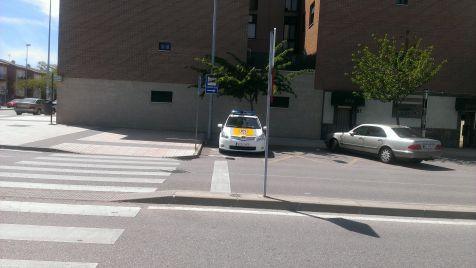La policia nos enseña a aparcar