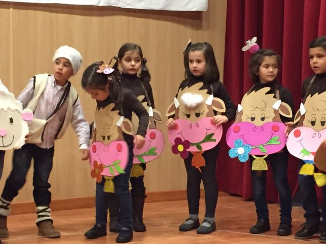 Actuación navideña 3º Infantil y 2º ciclo de Primaria