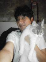Yashaii Moran and cat