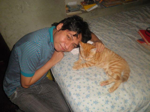 Yashaii Moran and her cat Chirumino 2012